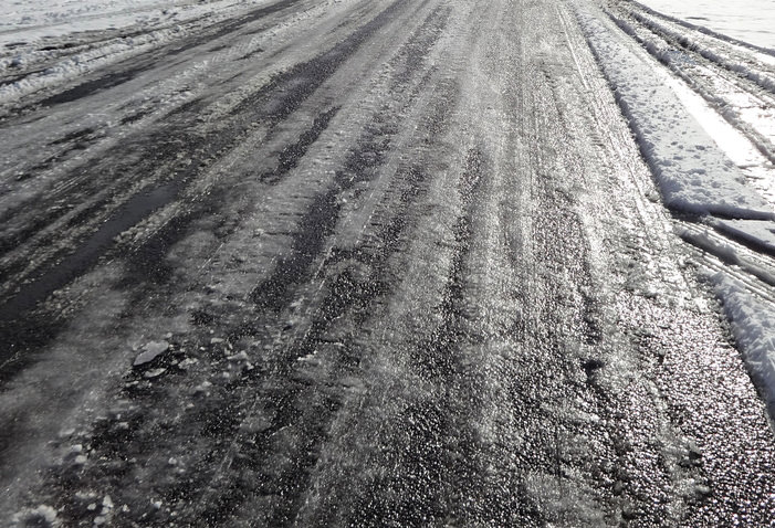 Tips for driving on icy roads | Bedford